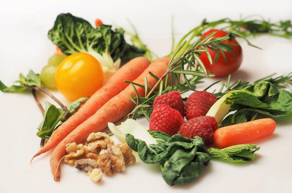 Owoce i warzywa, które pomogą w przygotowaniach, aby regularnie ćwiczyć.